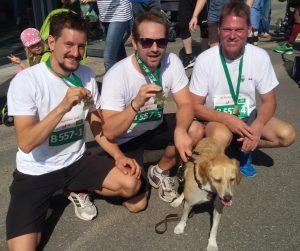 Die Läufer nach dem Zieleinlauf